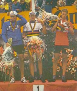 Gerrie Knetemann mit Gladiolen 1978